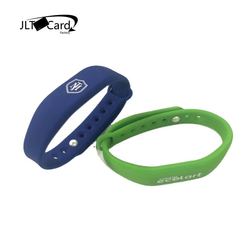 Debossed Logo Waterproof RFID silicone wristband MIFARE DESFire EV1 2K 13.56 mhz NFC RFID Bracelet for Fitness cashless payment
